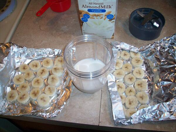 @thenutribullet I made Fat-Free Banana IceCream with my Nutribullet   #FBBF http://t.co/f8qXjeqZMC