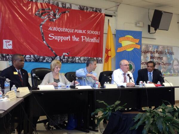 Round table discussion on turn-around schools like Emerson ES @arneduncan @Mayor_Berry #edtour13 http://twitter.com/ABQschools/status/377154746047807488/photo/1