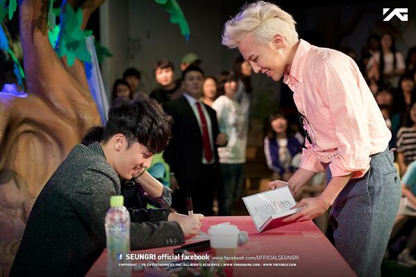 [@ForvictoRi #SEUNGRI Fan-Signing Event #2] More Photos @ https://t.co/4nwxprC7Y5