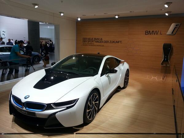 Dal Salone di Francoforte: stand BMW. Le elettriche i3 e i8, la nuova Serie 4 coupè e la concept active tuorer.
