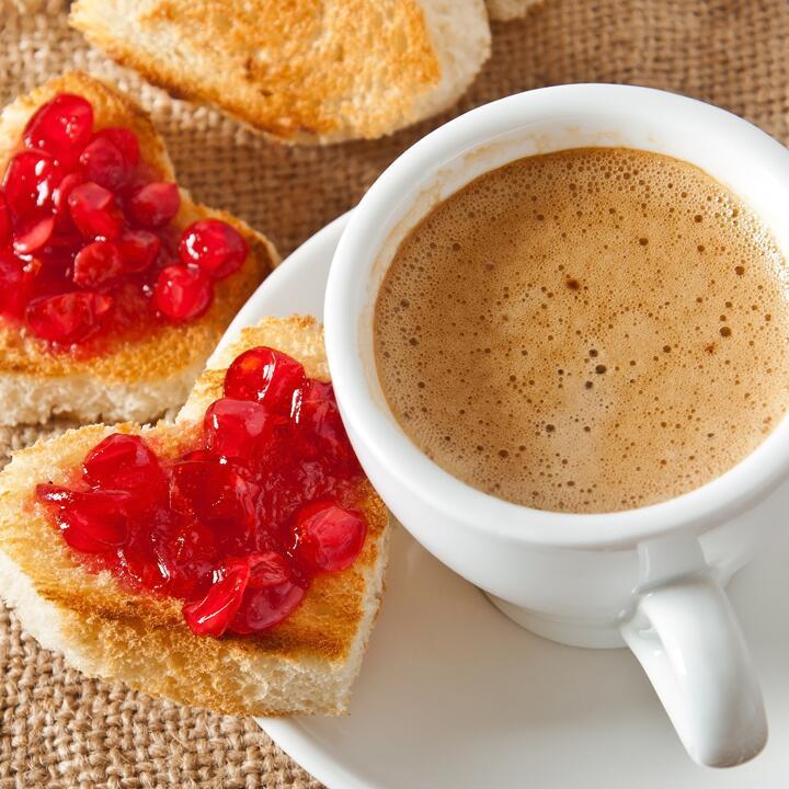 Картинки доброе утро с чашечкой кофе и бутербродом мужчине, букет любимой женщине