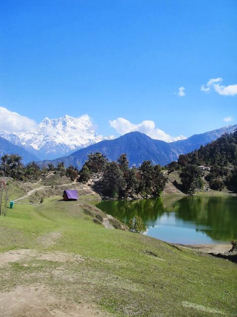 The magnificent #Chaukhamba summit seen from #DeoriaTaal in Uttarakhand #Himalayas #travelindia http://twitter.com/amit_hiremath/status/382180140777631744/photo/1
