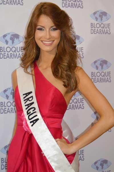 #Farandula Miss Aragua @MissVzla Stephani De Zorzi http://twitter.com/MeridianoTV/status/382227373988384768/photo/1