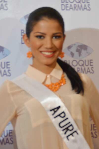 #Farandula Miss Apure @MissVzla Rogegsy Rivas http://twitter.com/MeridianoTV/status/382227863442706432/photo/1