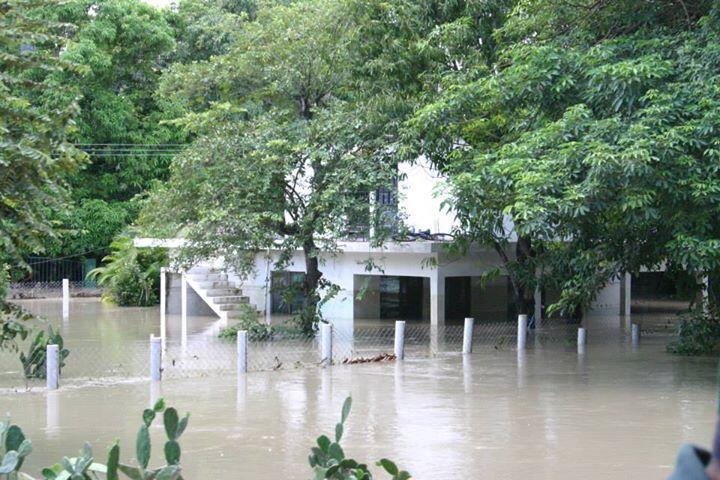 @primerotuimagen  En gomez farias tamaulipas tambien existen y nrcesitan ayuda, no solo guerrero, veracruz, http://t.co/wv3dZwnp2q