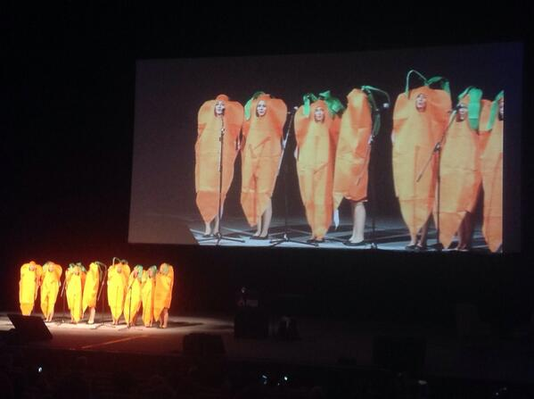 #DrupalCon kicking of with style - Wunderkrauts singing :-D http://twitter.com/mickhinds/status/382401924265291776/photo/1