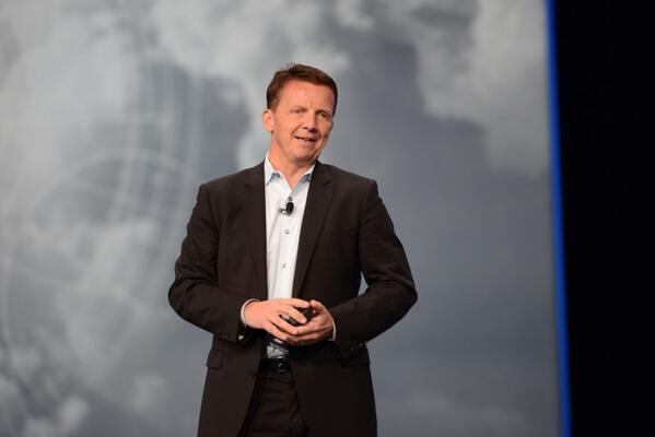 """DBAs need to spend more time in the front office with the business, rather than in the back office"" #EMC #OOW13 http://twitter.com/EMCcorp/status/382528625892810753/photo/1"