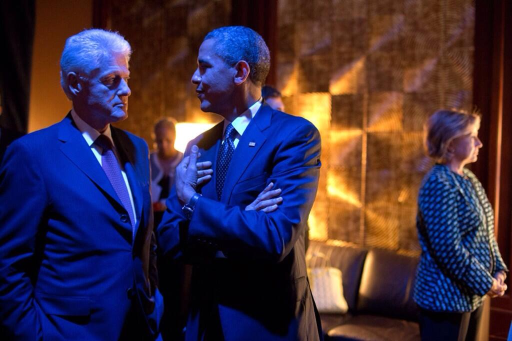 Pete Souza photo - Pres Obama talks backstage with Pres Clinton as Hillary Clinton waits to be introduced at CGI event 9-24-2013