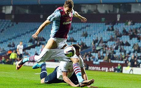 Jan Vertonghen pulls the shorts down of Nicklas Helenius during Aston Villa 0   Spurs 4 [Pics, GIF & Video]