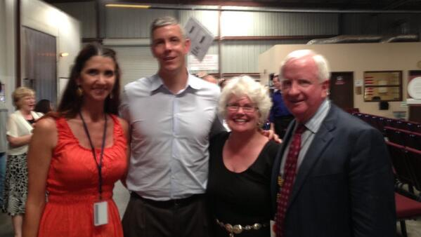 Representing local School Food Service w U.S. Secretary of Edu @arneduncan @YumaFoodBank #edtour13 @SchoolLunch http://twitter.com/ThrowerLisa/status/378369578188808192/photo/1
