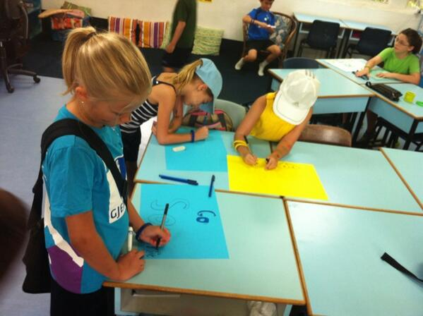 Making some posters before heading to Sports Day! http://twitter.com/G3Skrtic/status/378309133675409408/photo/1