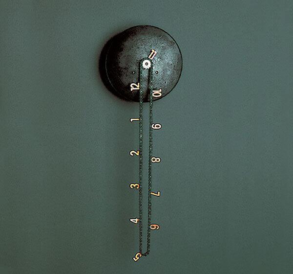 シンプルでなんかいいデザインのチェーン時計
