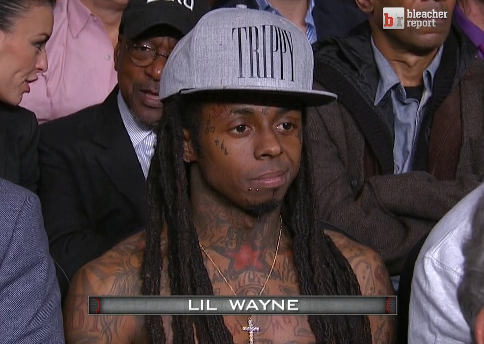 Floyd Mayweather escorted to the ring by Lil Wayne, Justin Bieber