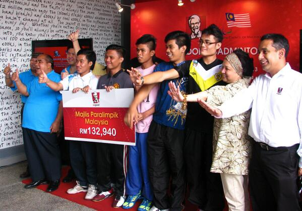 KFC Malaysia is now part of the Malaysian Paralympic fraternity!  Feelin' SoGood!https://t.co/qxPYZMuRem http://t.co/lWspzr2suw