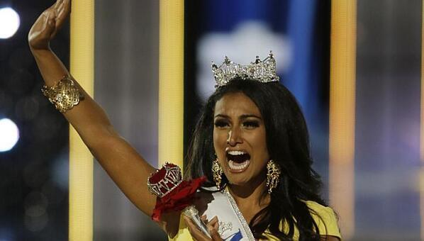 Cool that #MissAmerica @ninadavuluri gave a shout-out to Asian-Ams. And that she has such a relatable freak-out face! http://twitter.com/cindyqiu8/status/379489489762013184/photo/1