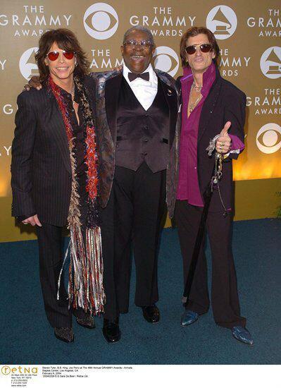 B.B. King with @IamStevenT @JoePerry at The 46th Annual GRAMMY Awards 2004 Photo via Retna http://t.co/WBJciQ4kRe