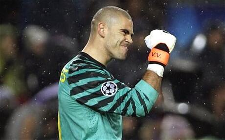 Arsenal and Manchester City interested in Barcelona keeper Victor Valdes [Daily Star]