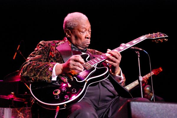 """""""I never use that word, retire.""""  Happy 89th Birthday to BB King! http://t.co/Bf3inCUaIA"""