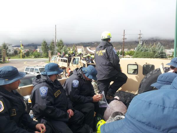 Six 10-man FEMA teams from Utah and Nebraska headed into the Canyon #boulderflood http://twitter.com/mitchellbyars/status/379643247108169728/photo/1