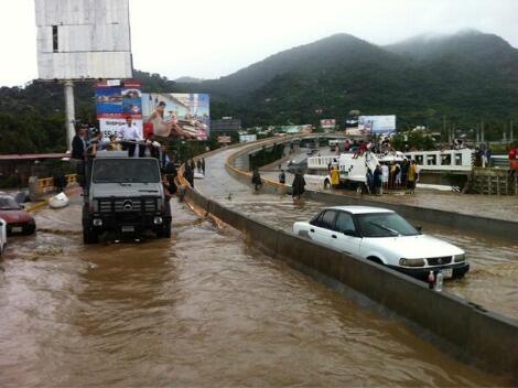 FOTO: Será #Acapulco base de operación para el puerto y los 49 municipios afectados (vía @Micmoya) http://twitter.com/Milenio/status/379776762843893760/photo/1
