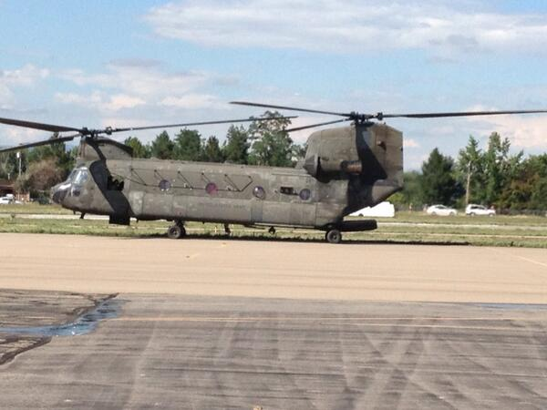 @USArmy says each of these chinooks can hold 20-30 evacuees. @KDVR #coflood #boulderflood #cowx http://twitter.com/JeremyHubbard/status/379715685800497152/photo/1