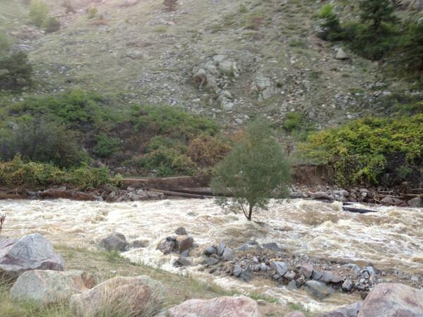 Boulder Creek Trail washout in Boulder Canyon #Boulderflood http://twitter.com/RDGene/status/379968177356017665/photo/1
