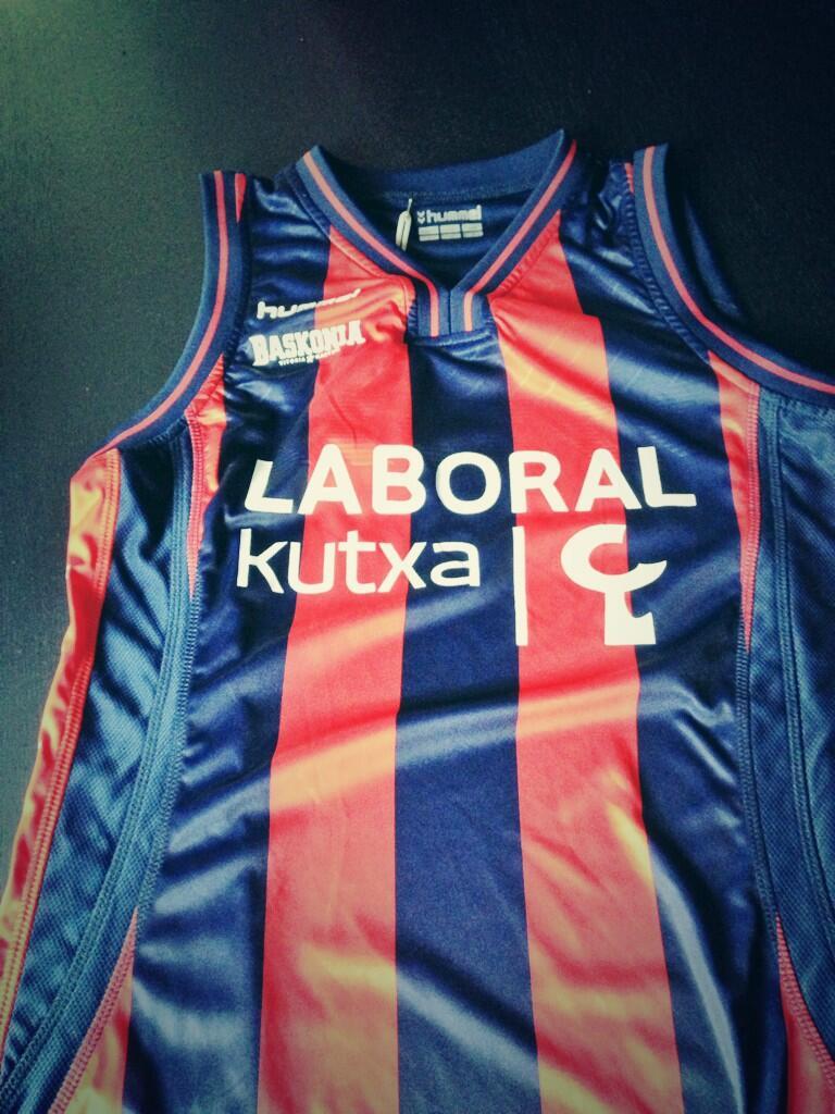 Hummel nueva marca deportiva para el Baskonia.¿Acuerdo firmado con Kelme? - Página 4 BUd12xgCUAEh5kZ