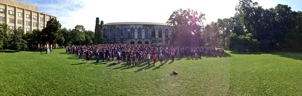 .@WeinbergCollege class of 2017 in front of Deering. @WildcatWelcome #NU2017 http://twitter.com/SeanPMcQuade/status/380350569413492736/photo/1
