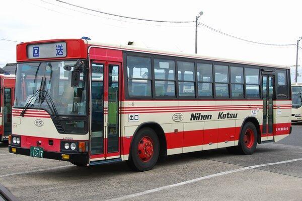 あと、駅から乗ったバスは鳥取県内を走る日本交通の路線バスです。モデルの岩美駅にも乗り入れる、岩井・岩美線の鳥取駅行きのバスと思われます。#TV_Free