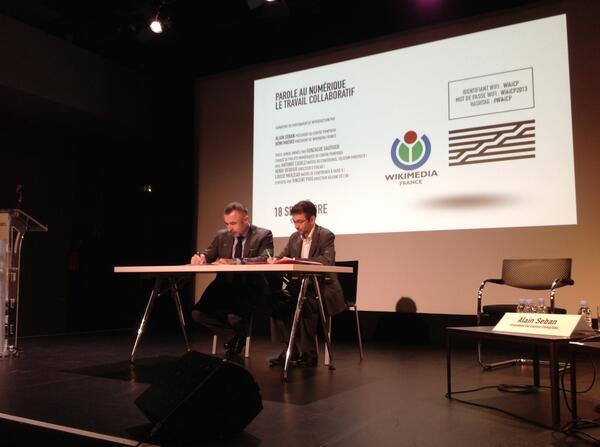 #WikiCP Partenariat Wikimedia - CGP : la signature ! http://twitter.com/lmerzeau/status/380369227825176576/photo/1