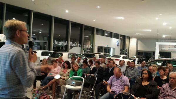 Geslaagde bijeenkomst @SMC_0412 met @HenkJanGeel behandelde weer andere linkedin zaken dan @aaltjevincent http://twitter.com/digibieb/status/380451969543835648/photo/1