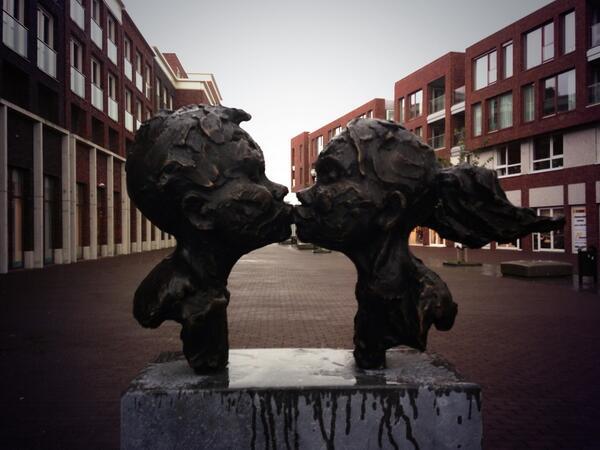 "A kiss is a beautiful work of art, not a crime! #FreeBoussa ""@natasjabennink: http://twitter.com/natasjabennink/status/380718160204152832/photo/1"" #kiss"