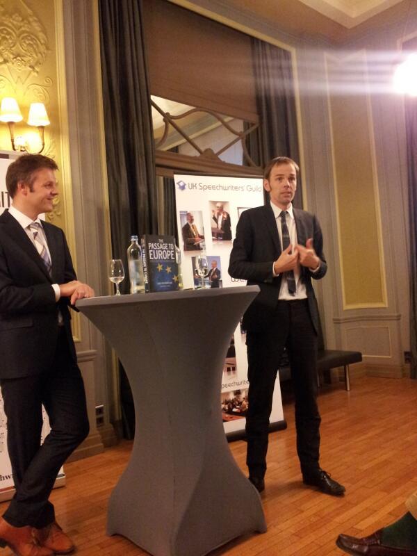 @LuukvMiddelaar is talking about @PassagetoEurope for @EUSpeechwriters #esnbxl #speechwriting http://twitter.com/RuneKier/status/380742097344528385/photo/1
