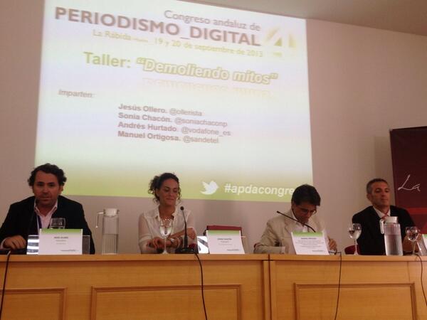 """#apdacongreso intervención de Manuel Ortigosa y Andrés Hurtado """"demoliendo mitos""""@sandetel @vodafone_es http://twitter.com/JesusPerezDH/status/381011107952861184/photo/1"""