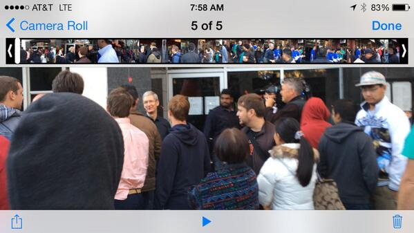 CEO Tim Cook is here at the University Ave $AAPL store as doors open. Tune in to @CNBC for video http://twitter.com/jonfortt/status/381070194103185408/photo/1