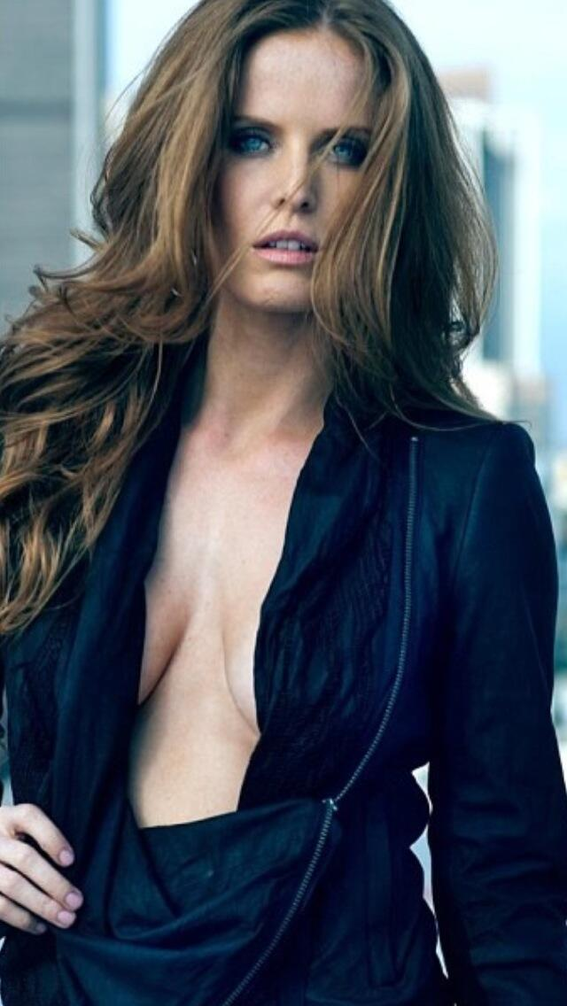 """Rebecca Mader on Twitter: """"IT'S FRIDAY!!!!! Shirtless Friday!!!!;) http://t.co/IQZTWlG2bO"""""""