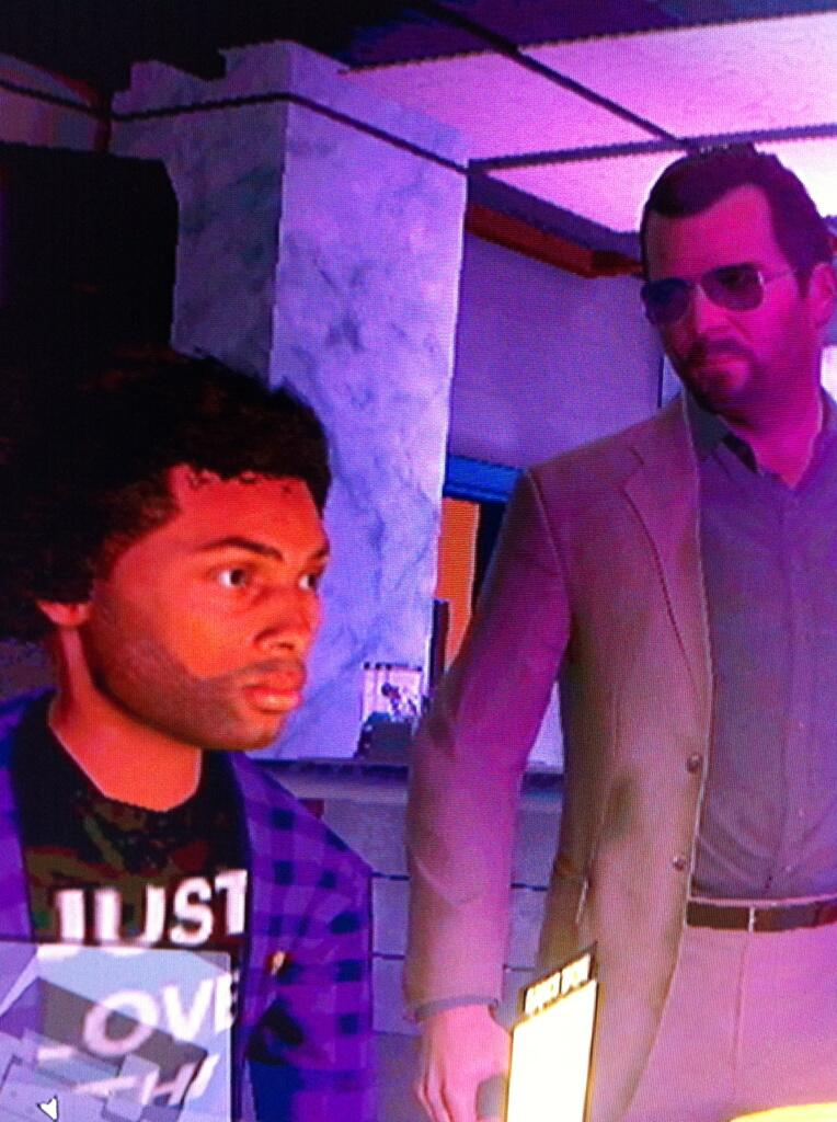 I found @DonaldGlover hiding out in the strib club in GTA. http://t.co/js5s0iLxk0