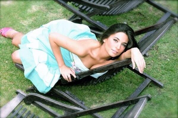 ანა ბრენდა კონტრერასი //Ana Brenda Contreras #3 - Page 37 BUy6zQkCQAACNyX
