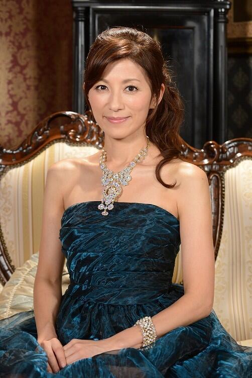ドレス姿が素敵すごる中田有紀
