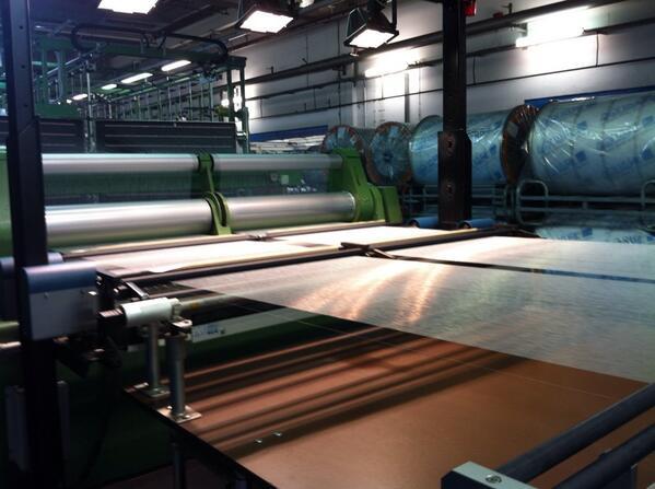 A Lubiana, nello stabilimento Aquafil, rifiuti di nylon 6 rigenerati diventano filato Econyl @healthyseas_org #hske http://twitter.com/UnaDonna_it/status/386510098069475328/photo/1