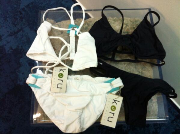 Vi piacciono questi costumi da bagno? Sono fatti con filo Econyl @healthyseas_org #hske http://twitter.com/UnaDonna_it/status/386538766753869824/photo/1