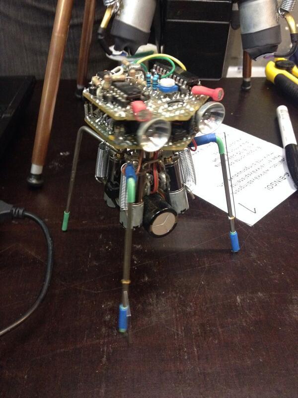 #warkfest robot http://twitter.com/spongefile/status/386802996354777088/photo/1