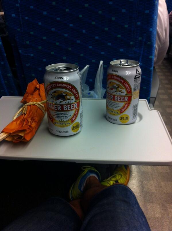 新幹線で天むす完食‼ 日帰りしんどい(笑) http://t.co/8tuRAgOmgC