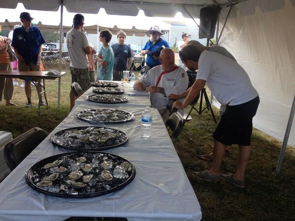 Tough competition in the #DECoastDay  #oyster shucking contest! Judging happening right now: http://twitter.com/DESeaGrant/status/386940839089668096/photo/1