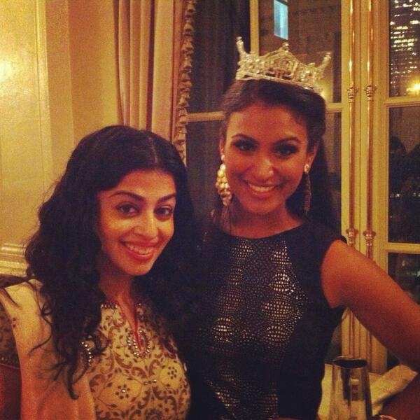 There she is #MissAmerica (the one with the tiara, in case you were confused) #saja13 http://twitter.com/BySarahKhan/status/386995826859720704/photo/1