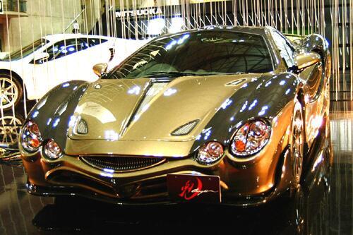 test ツイッターメディア - 光岡自動車 金色のオロチ https://t.co/CGCj0e54vP