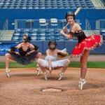 Image for the Tweet beginning: バレリーナで野球だなんて、馬鹿バカシー と思ったらシェアしてね♪