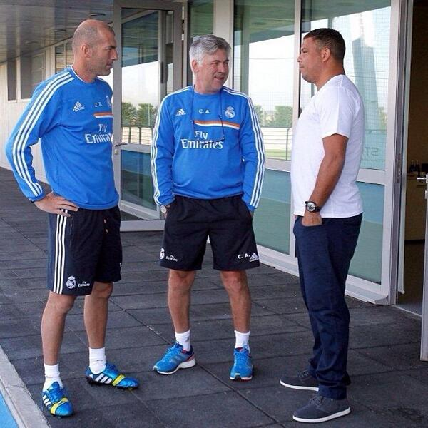 Brazilian legend Ronaldo hangs out with Ancelotti & Zidane at Real Madrid