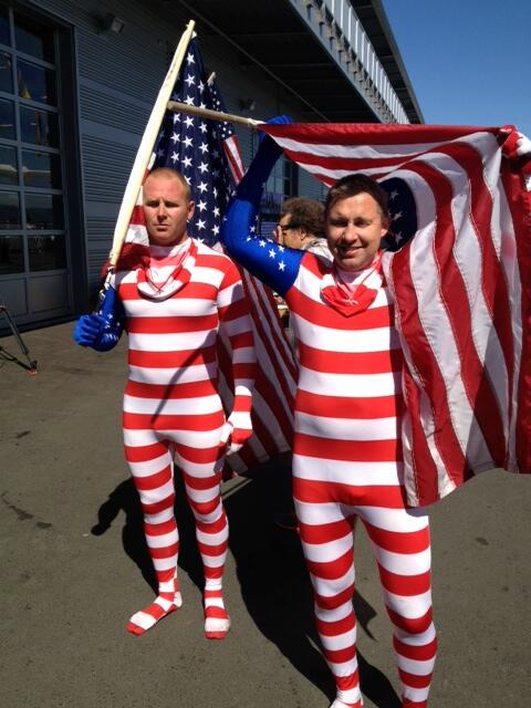 And plenty of USA supporters #americascup http://twitter.com/dougrobson/status/382945732736462848/photo/1