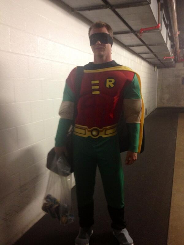 Sonny Gray as Robin on roookie dress-up day RT: @JaneMLB Gray as Robin http://twitter.com/JaneMLB/status/383005799053660161/photo/1